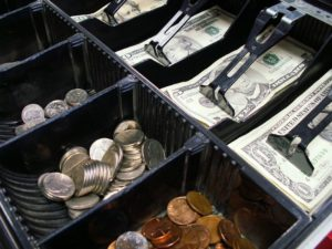 виртуальные деньги биткоин и наличная валюта