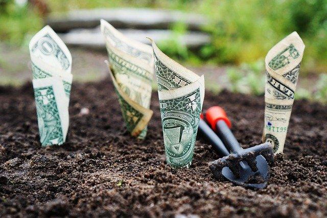 выгодные акции при росте биткоина